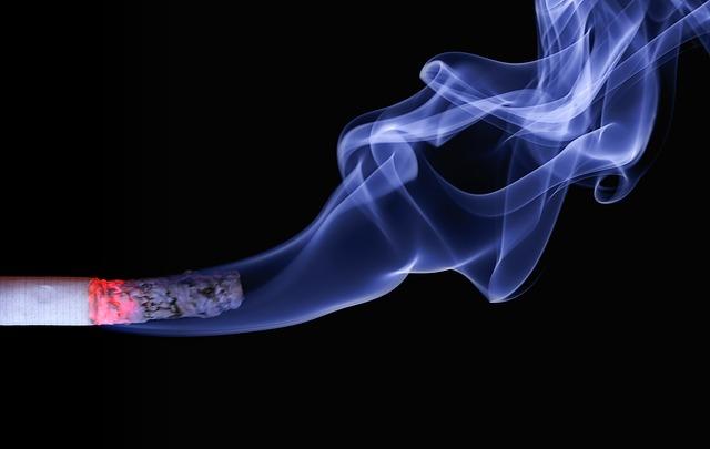 kouř cigarety